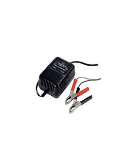 Nabíjačka na malé olovené prístrojové akumulátory s napätím 2V, 6V a 12V. Výstupné napätie sa volí prepínačom.